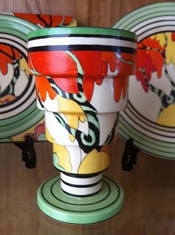 Honolulu Shape 366 Vase Honolulu Shape 366 Vase Clarice Cliff